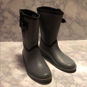 Nautica • Gray rain boots